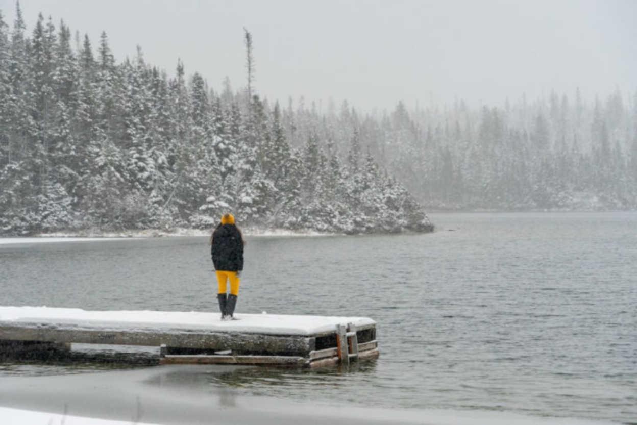 Winter-Mountains-Exploring-Peaceful-Newfoundland